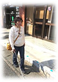 歩行訓練の様子(佐賀駅バスセンター周辺)